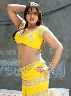 Tamil Actress, Bollywood Actress, Sonia Agarwal, Aunty In Saree, South Indian Film, South Actress, Beautiful Long Hair, Actress Photos, Telugu