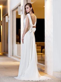 Lan Ting A-line Plus Sizes Wedding Dress - Ivory Sweep/Brush Train Square Satin/Georgette - USD $119.99