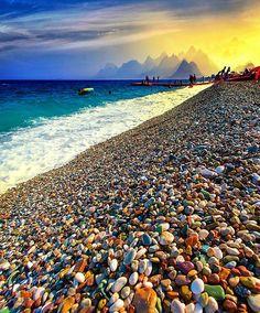 The exotic Konyaaltı Beach of Antalya in Turkey ///