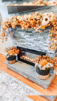 Loving My Fall Fireplace This Year And Thought I Would & ich liebe dieses jahr meinen herbstkamin und dachte, ich würde & aimer ma cheminée d'automne cette année et je pensais que je le ferais Fall Home Decor, Autumn Home, Fal Decor, Fall Decor For Mantel, Fall Door Decorations For Home, Autumn Party Decorations, Outdoor Fall Decorations, Wedding Fireplace Decorations, Cheap Thanksgiving Decorations