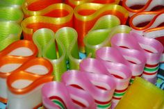 Ribbon Candy: An Old-Fashioned Holiday Favorite Christmas Candy, Vintage Christmas, Christmas Ribbon, Christmas Stocking, White Christmas, Christmas Time, Christmas Ideas, Colorful Candy, Candy Colors