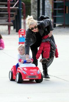 Gwen Stefani and Zumas day at the park
