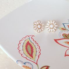 j crew earrings J Crew Factory daisy stud earrings. Faux gold with white enamel. Worn once and in like new condition! J. Crew Jewelry Earrings