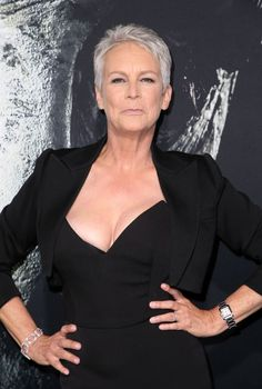 Jamie Lee Curtis explains lying and gaslighting like being told water is juice Jamie Lee Curtis explains lying and gaslighting like being told water is juice Jamie Lee Curtis Young, Janet Leigh, Beautiful Old Woman, Helen Mirren, Actrices Hollywood, Sexy Older Women, Aging Gracefully, Grey Hair, Fashion Over 50