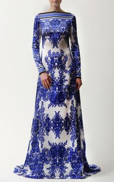 Naeem Khan | Trunkshow Look 2 on Moda Operandi | Batteau Neck Blue and White Floral Print Charmeuse Gown