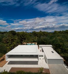 House in a Pine Forest by Fran Silvestre Arquitectos (3)
