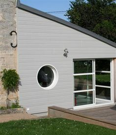 Canexel Gris Brume Composite Cladding, Outside Room, House Extensions, House Entrance, Bungalow, Building A House, Architecture Design, House Plans, Pergola