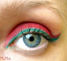 I normally don't like pink eye shadow, but i love this!
