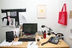 Photographer Reveals The Fascinating Desks And Workspaces Of Creatives - DesignTAXI.com