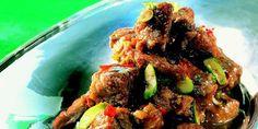 Five spice, som er en blanding av stjerneanis, kanel, sechuanpepper, kryddernellik og fennikelfrø, gir retten en eksotisk og spennende smak. Den krever ikke stor innsats, og kan tilberedes på forhånd.