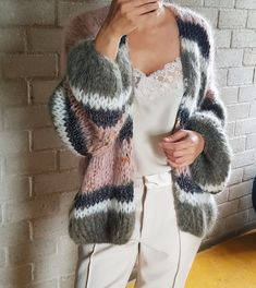 16 ideas womens outfits boho sweaters for 2019 Cardigan Fashion, Knit Fashion, Womens Fashion, Mode Outfits, Fashion Outfits, Pullover Mode, Mohair Sweater, Knit Cardigan, Knitting Designs