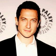 #SashaRoiz love this pic so..so much..his eye's 💚💚