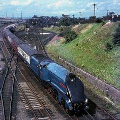 by David Christie steam engine SirNigel 1967 Steam Trains Uk, Old Steam Train, Diesel Locomotive, Steam Locomotive, Tramway, Rail Transport, Steam Railway, Rail Car, Train Pictures