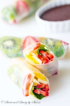 These rainbow fruit spring rolls are an ultimate summer treat for all the fruit-lovers, chocolate-lovers and caramel-lovers! Plus, a fun video tutorial!