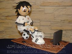play station Sport Cakes, Soccer Cakes, Mickey Mouse, Disney Characters, Fictional Characters, Snoopy, Clay, Dolls, Career