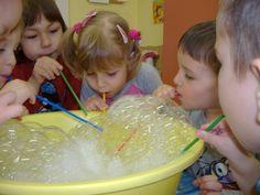 víz világnapja az óvodában - Google keresés Green Day, Science For Kids, Projects For Kids, Water, Google, Spring, Bubbles, Kid Science, Kid Projects