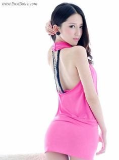 beauty-popular-figure-red-panniers-to-burst-6