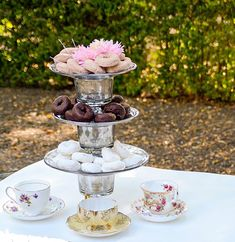 It is easy to create this beautiful cake stand for your next party. I love how the looking glass paint gives this DIY project a vintage feel.