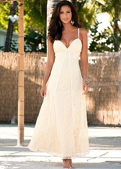 I LOVE THIS DRESS. I SAID I'D NEVER MARRY AGAIN, SINCE LOSS OF SPOUSE. THEN I'VE SAID IF I DID IT WLD BE ON THE BEACH BAREFOOTED,ETC. THIS WLD BE PERFECT DRESS & SHE'S BAREFOOTED. HUM IS THIS A SIGN, LOL. LOVE IT!!!!