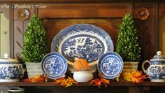 Love the blue China and pumpkins fall decor Blue Willow China, Blue And White China, Blue China, China China, Blue Orange, Blue Willow Decor, Thanksgiving Decorations, Seasonal Decor, Thanksgiving Table