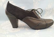 CLARKS ACTIVE WEAR VINTAGE LAND GIRL STYLE LACE UP BROGUES UK 7D *REDUCED*