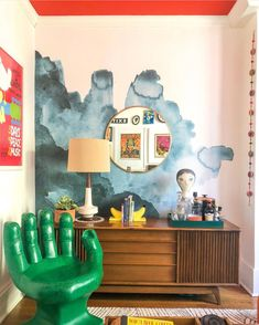 Eclectic Home Tour – Home Ec Beautiful abstract mural with red ceiling, hand chair and mid century furniture Foyer Wallpaper, Wallpaper Shelves, Bright Wallpaper, Painted Interior Doors, Painted Doors, Interior Exterior, Interior Design, Eclectic Gallery Wall, Hanging Paintings