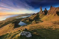 An Stòr, colina rocosa en la Isla de Skye, #Escocia (foto de Niclas Hartz)