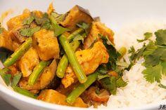Carolines blog: Thaise kipcurry met aubergine en sperziebonen