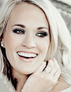 Carrie Underwood @blownxawayx94 Jennifer Hudson, Country Music Singers, Country Artists, Celebrity Makeup, Best Female Artists, Female Singers, Katy Perry, Music Artists, American Idol