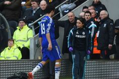 Chelsea doctor Eva Carneiro backed by Football Medical Association in dispute with Jose Mourinho - http://footballersfanpage.co.uk/chelsea-doctor-eva-carneiro-backed-by-football-medical-association-in-dispute-with-jose-mourinho/