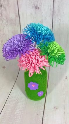 Paper Flowers Craft, Paper Crafts Origami, Easy Paper Crafts, Diy Crafts For Gifts, Flower Crafts, Diy Flowers, Diy Paper, Diy Origami, Flowers Made Of Paper