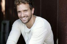 Pablo Alborán ~ Ay!!! Me va a dar algo... Esa sonrisa...❗❗❗❗❗❤❤❤❤❤