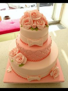 Beautiful pink cake with roses