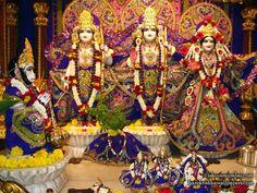 http://harekrishnawallpapers.com/sri-sri-sita-rama-laxman-hanuman-iskcon-juhu-wallpaper-001/