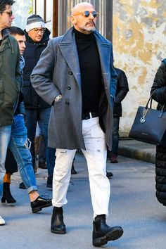 Der beste Street Style - Men's style, accessories, mens fashion trends 2020 Stylish Mens Fashion, Best Mens Fashion, Bald Men Fashion, Italian Mens Fashion, Best Street Style, Cool Street Fashion, Street Styles, Bald Men Style, Bon Look