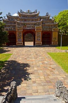 Gates of the Forbidden Purple City