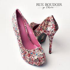 (shoes for boudoir photo shoot)