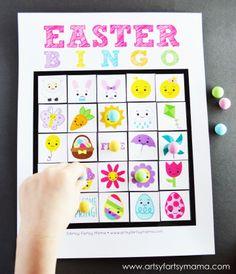 Free Printable Easter Bingo at artsyfartsymama.com #Easter #freeprintable #printable #bingo