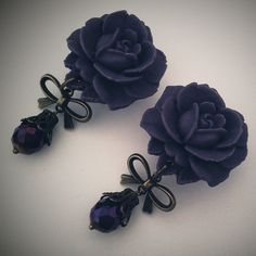 Plugs by Glamsquared on Etsy Piercings, Piercing Tattoo, Ear Jewelry, Body Jewelry, Jewelery, Skull Jewelry, Hippie Jewelry, Jewelry Making, Dark Purple Roses