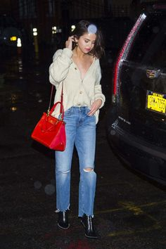 Selena Gomez Shopping At Citipups In New York
