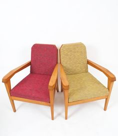 Elegant pair of Felix Kayser antroposophical ash wood chairs from the 1920's. Orginal upholstery in good condition. Sold as a pair.