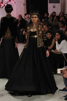 Rohit Bal at India Couture Week 2016 Jakarta Fashion Week, Milano Fashion Week, Lakme Fashion Week, Bridal Fashion Week, India Fashion, Seoul Fashion, Fashion Weeks, Japan Fashion, Paris Fashion