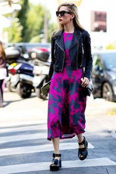 Best Street Style from Paris Fashion Week Spring 2015 Fashion Week Paris, Street Fashion, Girl Outfits, Fashion Outfits, Fashion Trends, Womens Fashion, Street Style Chic, Grey Midi Dress, Midi Skirt