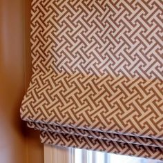 Roman Shade Sewing Tutorial {Home Decor} Perhaps for the bathroom, my next sewing project--This is perfect for the living room!!!