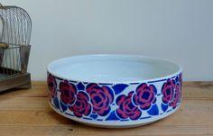 Vasque de toilette coupe décoration vintage bohemian art déco céramique France St Amand Decorative toilet bowl de la boutique BrocAntAscq sur Etsy