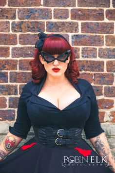 Curves to Kill. Curves to Kill. Vintage Chic, Pin Up Vintage, Vintage Mode, Vintage Fashion, Fashion Moda, Curvy Fashion, Plus Size Fashion, Girl Fashion, Rockabilly Mode
