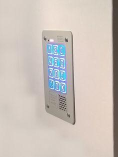 Digital, multi-family doorphone with combination lock from Radbit. Elegant, highlighted keys.