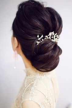 These Gorgeous Wedding Hairstyles from updo,chignon to wedding hairstyles down are perfect for Every Length,whether attending a wedding or prom hairstyles. Chic Wedding Hair Updos for Elegant Brides. Wedding Hair Chignon, Wedding Hair Half, Trending Hairstyles, Girl Hairstyles, Bridal Hairstyles, Amazing Hairstyles, Bridesmaid Hairstyles, Layered Hairstyles, Hairstyles 2018