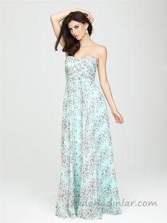 Uzun Abiye Elbise Modelleri Düğünlerin Vazgeçilmez Kıyafetleri Yeşil Uzun Straplez Kalp Yaka Çiçek Desenli