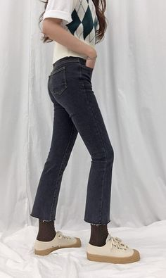 Pull off a chic and preppy look with these high waist raw hem jeans! Preppy Look, Hem Jeans, High Waist, Streetwear, Porn, Skinny Jeans, Denim, Chic, Pants